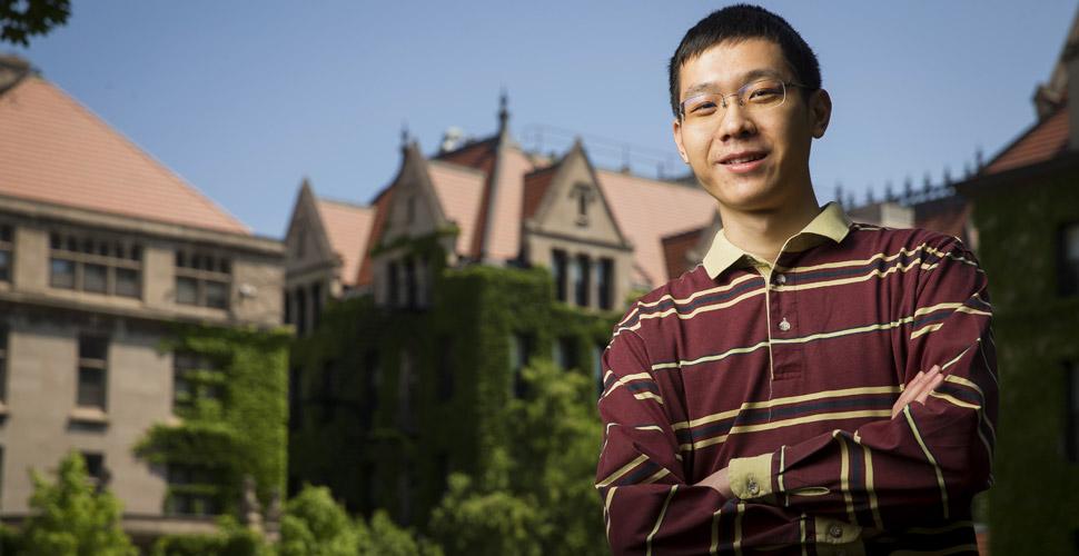 Chemistry graduate student Ruibin Liang