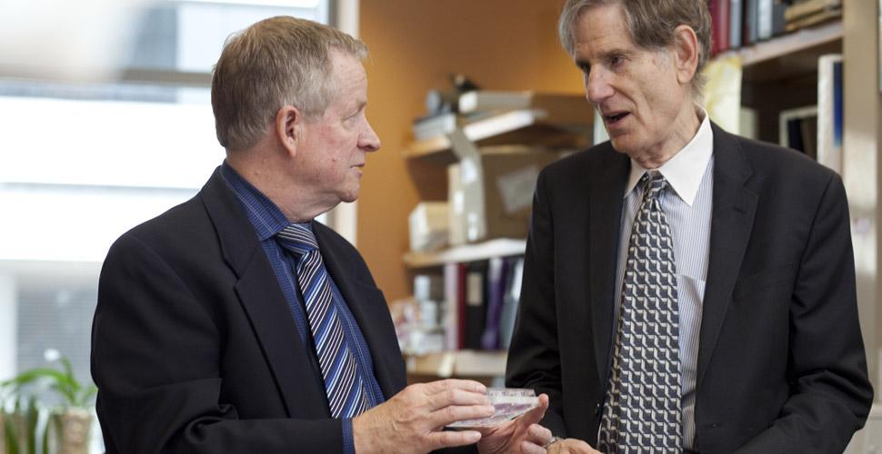 Geoffrey Greene and Ralph Weichselbaum in lab