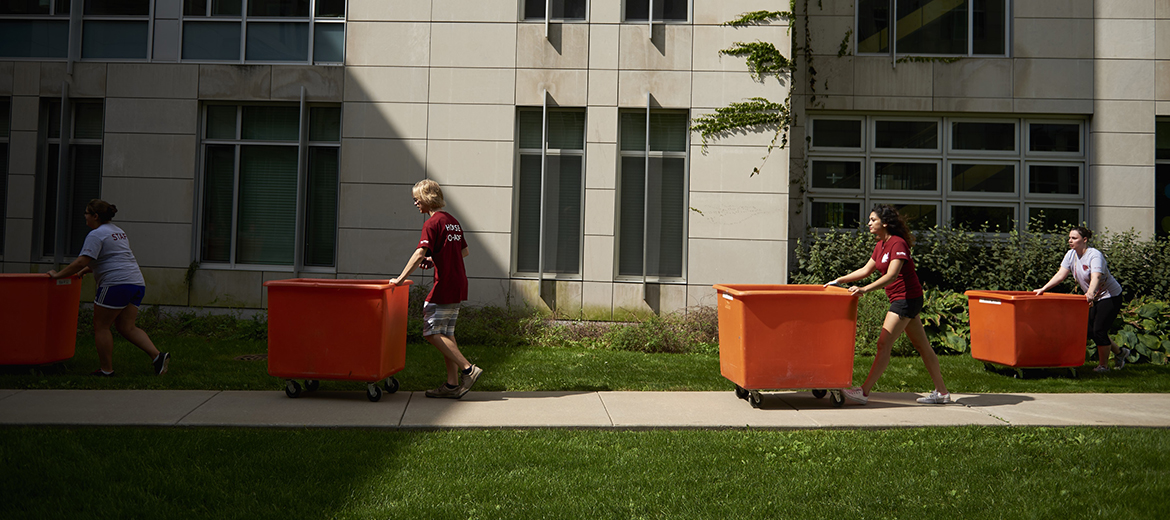 Students move in to Granville Grossman Residential Commons