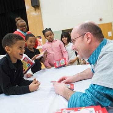 A UChicago student tutors elementary students