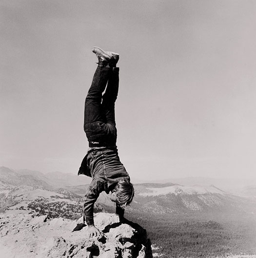 Robert Kinmont, 8 Natural Handstands (detail), 1969/2009