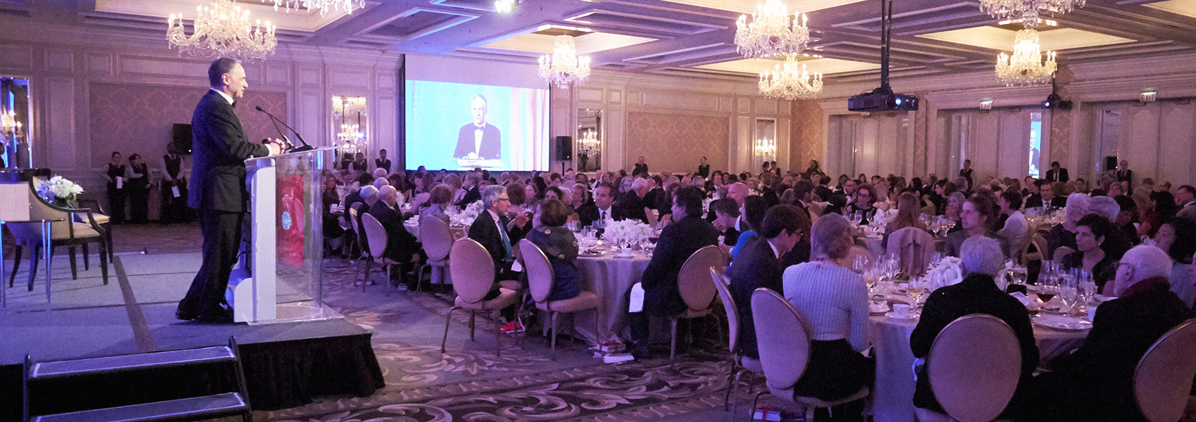 UChicago President Robert Zimmer speaks at the 10th Shapiro Award Dinner