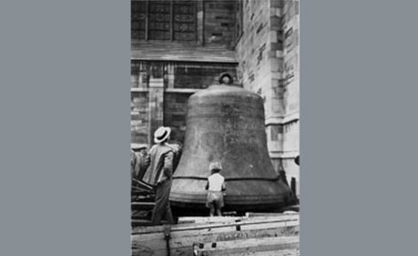 the installation of the carillon in 1932