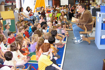 Story time with comedian Jeff Garlin in Nettlehorst Elementary's refurbished library