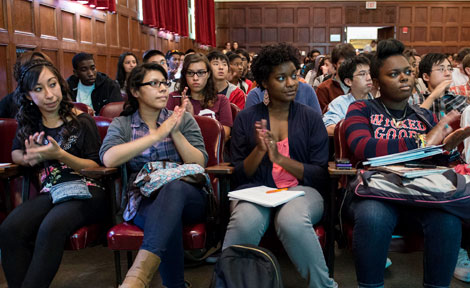 High school students at a UChicago workshop