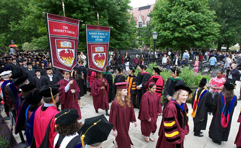 Student and faculty marshals at UChicago march at Convocation