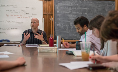 UChicago grad students gather for teaching workshop