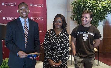 UChicago students at No Barriers event