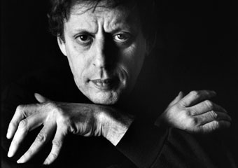 Composer and UChicago alumnus Philip Glass