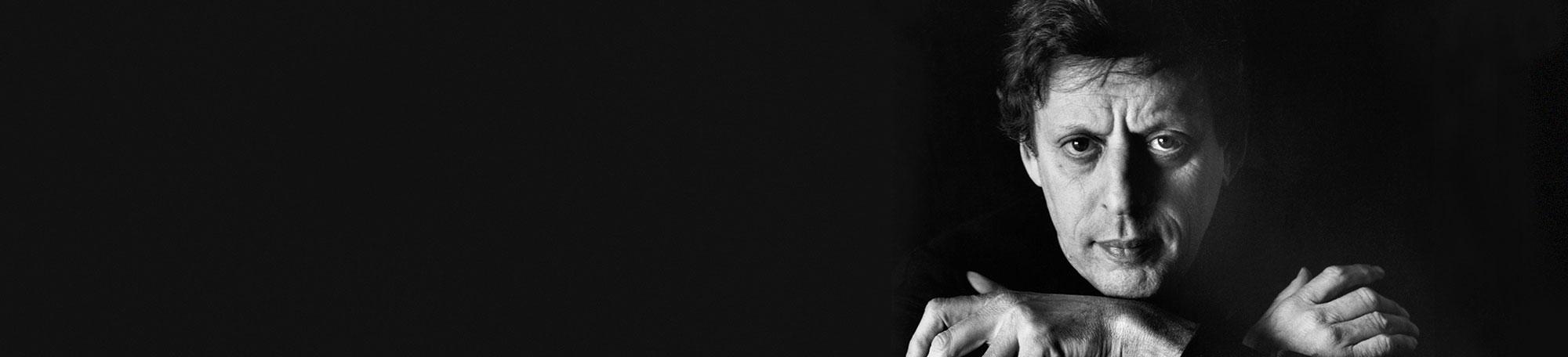 Composer and UChicago alumnus Philip Glass