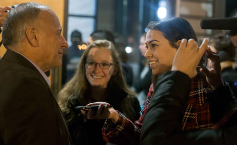 Iowa Congressmen Steve King with UChicago students