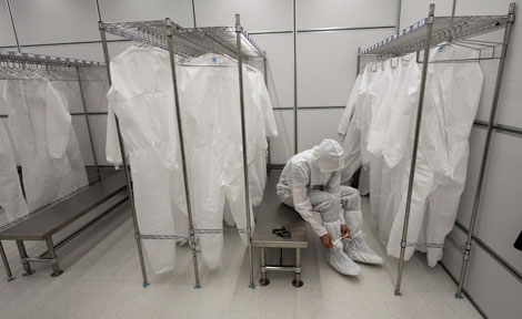 Cleanroom researcher garments