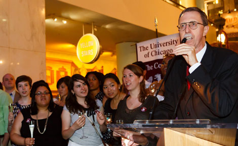 Dean John Boyer speaks to UChicago students